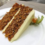 The amazing Carrot Cake at Lime Tree Cafe - Dubai (24/Jan/18).