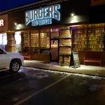 Foto di Burgers and Bottles