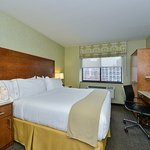 Photo of Holiday Inn Express Manhattan Midtown West