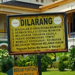 Sign in Indonesian outside the Palace.