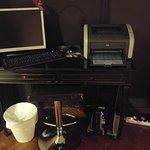 Ordenador e impresora en el Salón de descanso