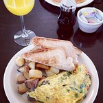 Veggie Omelette, 'OttoMosa' Mimosa & Amazing griddle pancake from my review of Otto's Place
