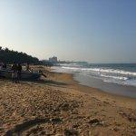 Photo de Mount Lavinia Beach