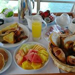 one person breakfast room service