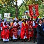 de partout dans le monde_sanctuaire de Lourdes