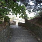 chemin qui mène en centre ville (1km environ)