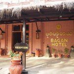Bagan Hotel River View Bild