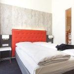 Select Hotel Berlin The Wall Foto