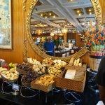 Breakfast buffet reflections