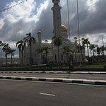 Photo of Sultan Omar Ali Saifuddin Mosque