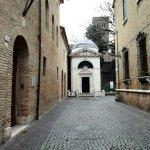 Photo of Dante's tomb and Quadrarco of Braccioforte
