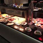 Frühstücksbuffett - Rührei, Omelett, Speck...