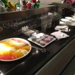 Frühstücksbuffett - Obst und Joghurt-Variationen