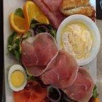 Salade Saint-Marcelin et tartare italien.