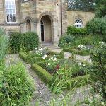 Garden to servants wing