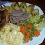 Roast beef Sunday lunch x