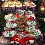 ภาพถ่ายของ Cupcakes And Curiosities (Formerly Something Sweet By Serina)