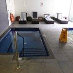 Mniejszy basen, chyba dla dzieci...