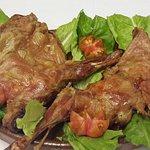 Cordero asado, un manjar emblemático de la gastronomía castellana.