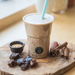 PRES smoothie with oats, dates and cinnamon