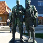 Skagen, Statue of Michael Ancher and PS Krøyer by Laurits Tuxen in front Skagens Museum