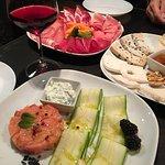 Super!!! Piatti citatissimo Anche salumi e formaggi assemblati con cura Tartare salmone con atte