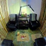 Confort, apapacho y amenidades es el plus en un pedicure en Aura Azul