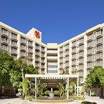 Sheraton Crescent Hotel