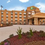 Photo of Holiday Inn Express Jackson/Pearl International Airport