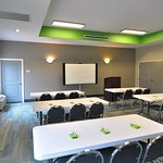 Meetings, conferences, parties, setup this space any way you like.