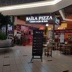 entrée du restaurant coté galerie du centre commercial