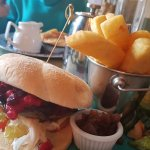DELICIOUS GOATS CHEESE AND BEETROOT MUSHROOM BURGER WITH NOGGINS