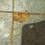 razor sharp chunk floor tile