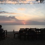 Amazing place to see the sunset. For the food we asked the bartender for suggestions and he was