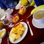 Desayuno delicioso, completo y autoservido