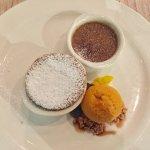 Leckerer Nachtisch: Soufflé, Sandorneis und Creme Brulee