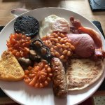 Breakfast & breakfast room