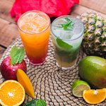 The Sunrise Mocktail (mango and strawberry) and Apple Mojito (apple, lime and mint).
