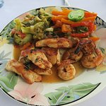 Garza lunch - smoked/grill chicken, shrimp and vegetables