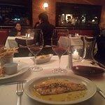 Delicioso! Mi amorcito y yo salimos muy contentos! La cena y el vino de bordeux delicioso! Súper