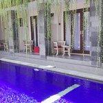 Vansari Hotel Seminyak의 사진