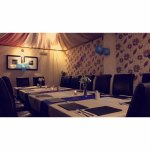 top room organise large family meal upto 20 people