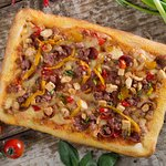 G6  Chorizo / Chicken / Bacon / Roasted Peppers / Spring Onion  Olive Oil