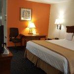 Foto de Baymont Inn & Suites Rocky Mount North Battleboro