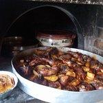Σπιτικα φαγητα στον ξυλοφουρνο με αγαπη και μερακι. Παραδοσιακο κρητικο φαγητο.