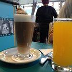 Pineappleade & Latte