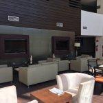 Cómodos espacios bar y restaurante