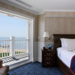 Foto de Madison Beach Hotel, Curio Collection by Hilton