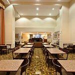 Holiday Inn Express & Suites Twentynine Palms- Joshua Tree resmi