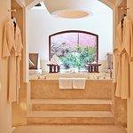 Bath tub in THE BARAI Suites